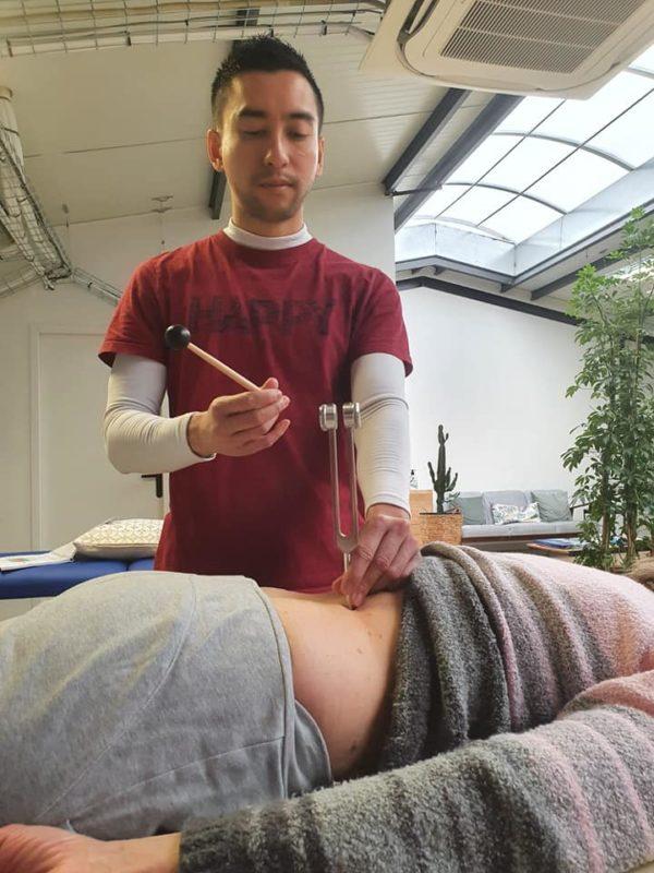 diapason et acupuncture abdominale